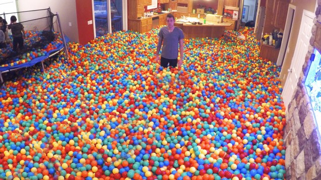 Crazy Plastic Ball PRANK!